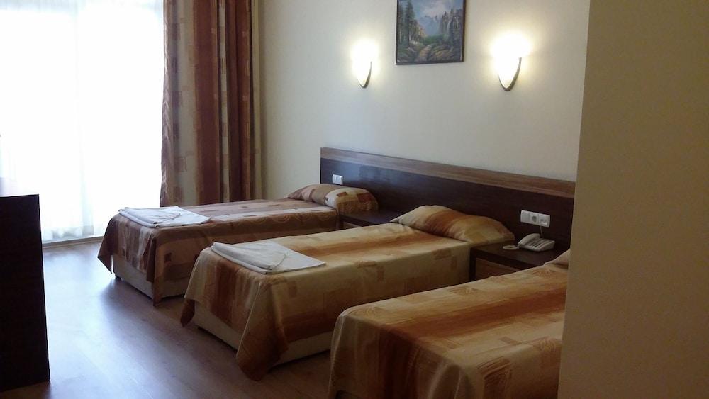 호텔 프리메라(Hotel Primera) Hotel Image 7 - Guestroom