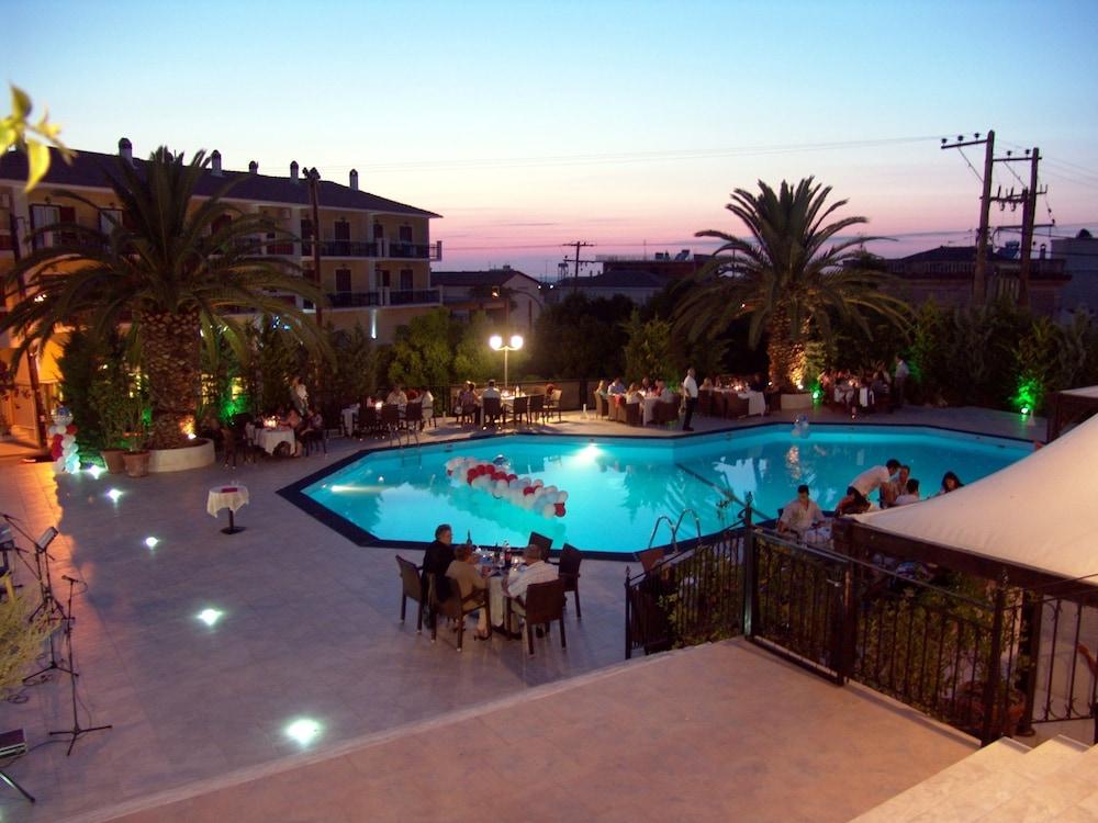 호텔 메로페(Hotel Merope) Hotel Image 21 - Outdoor Pool