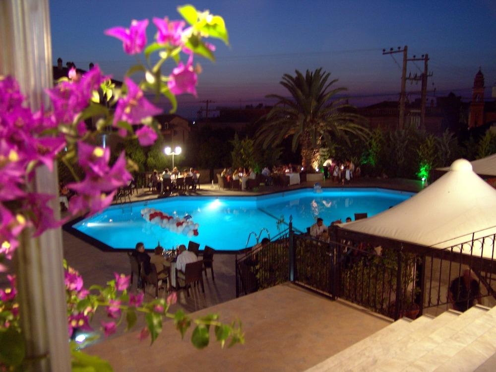 호텔 메로페(Hotel Merope) Hotel Image 22 - Outdoor Pool