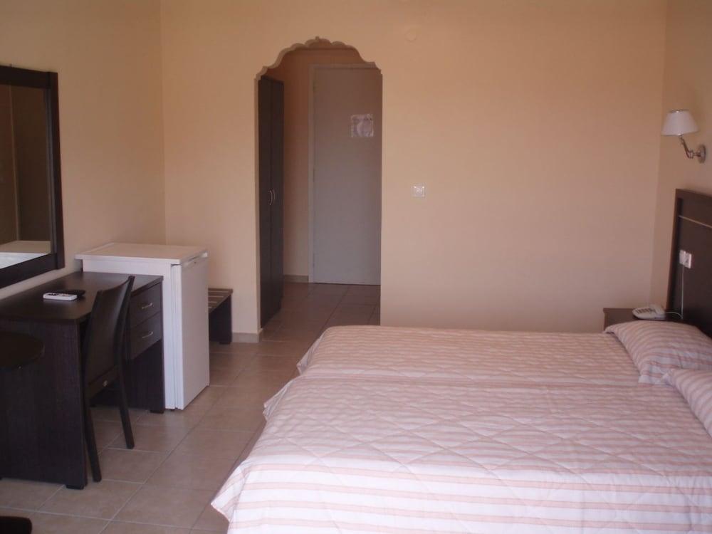 호텔 메로페(Hotel Merope) Hotel Image 11 - Guestroom