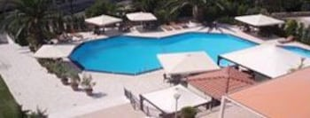 호텔 메로페(Hotel Merope) Hotel Image 18 - Outdoor Pool