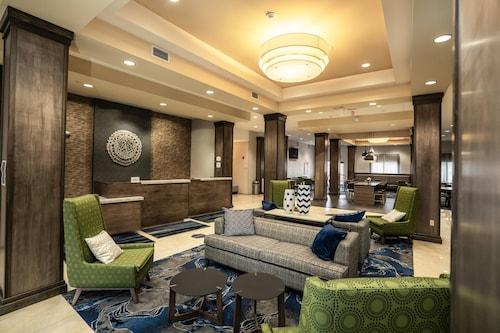 . Fairfield Inn & Suites Kearney