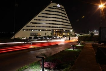 유로빌딩 호텔 플라자 과야나(Eurobuilding Hotel Plaza Guayana) Hotel Image 0 - Featured Image