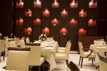 유로빌딩 호텔 플라자 과야나(Eurobuilding Hotel Plaza Guayana) Hotel Image 8 - Restaurant