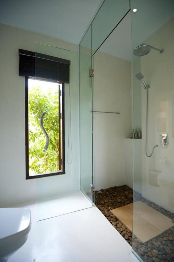 반스 다이빙 리조트(Ban's Diving Resort) Hotel Image 84 - Bathroom