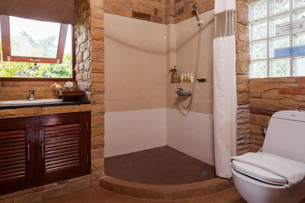 반스 다이빙 리조트(Ban's Diving Resort) Hotel Image 90 - Bathroom