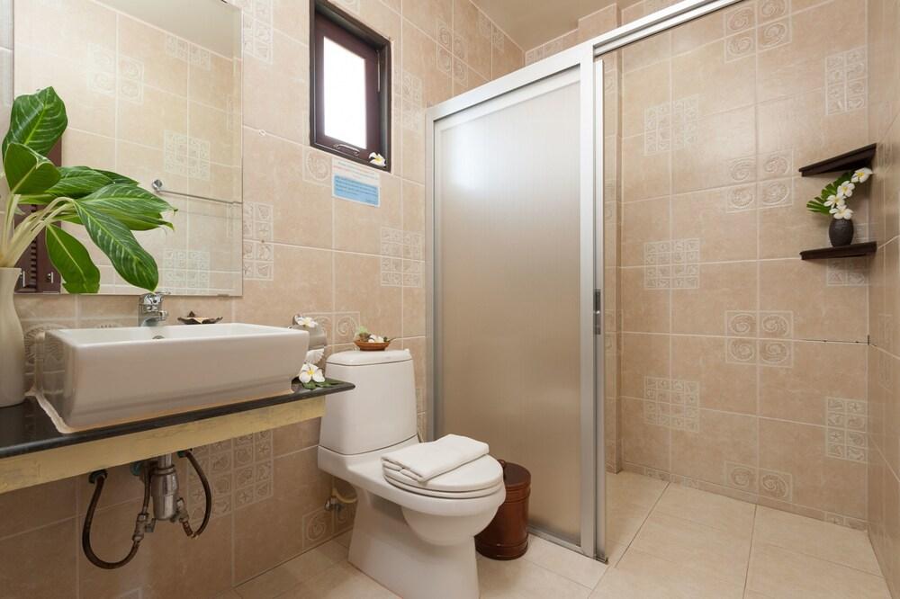 반스 다이빙 리조트(Ban's Diving Resort) Hotel Image 92 - Bathroom
