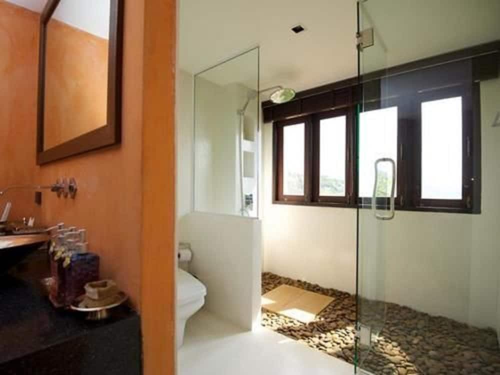 반스 다이빙 리조트(Ban's Diving Resort) Hotel Image 86 - Bathroom