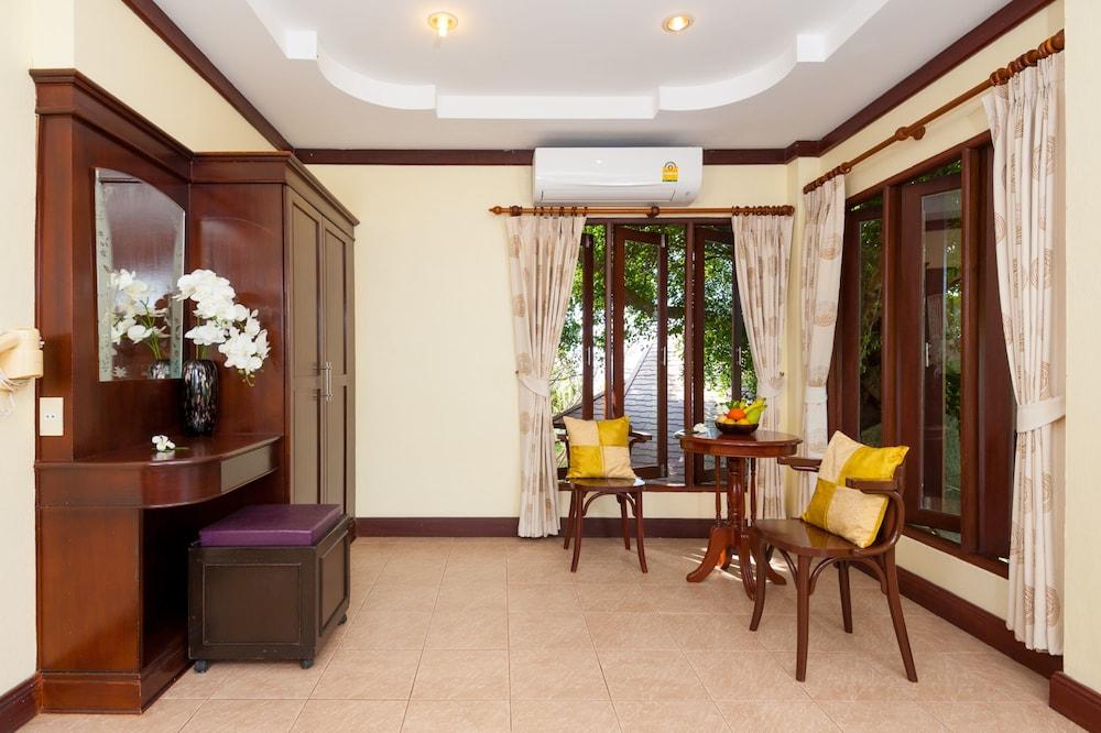 반스 다이빙 리조트(Ban's Diving Resort) Hotel Image 66 - Living Area