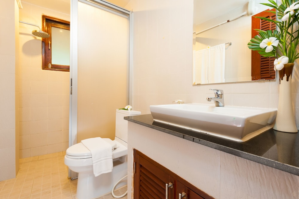 반스 다이빙 리조트(Ban's Diving Resort) Hotel Image 93 - Bathroom