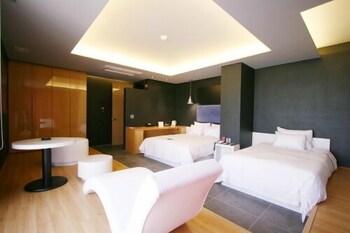 오스카 스위트 호텔(Oscar Suite Hotel) Hotel Image 11 - Guestroom