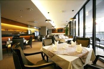 오스카 스위트 호텔(Oscar Suite Hotel) Hotel Image 43 - Restaurant