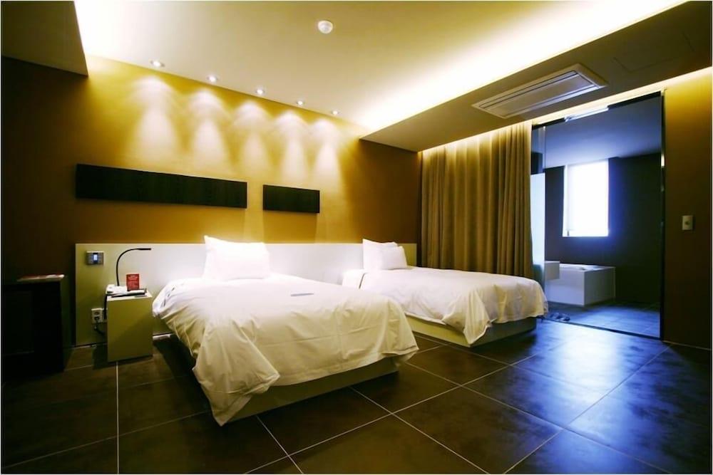 오스카 스위트 호텔(Oscar Suite Hotel) Hotel Image 9 - Guestroom