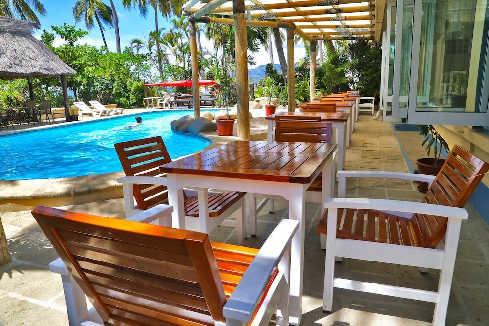 아쿠아리우스 온 더 비치(Aquarius on the Beach) Hotel Image 19 - Terrace/Patio