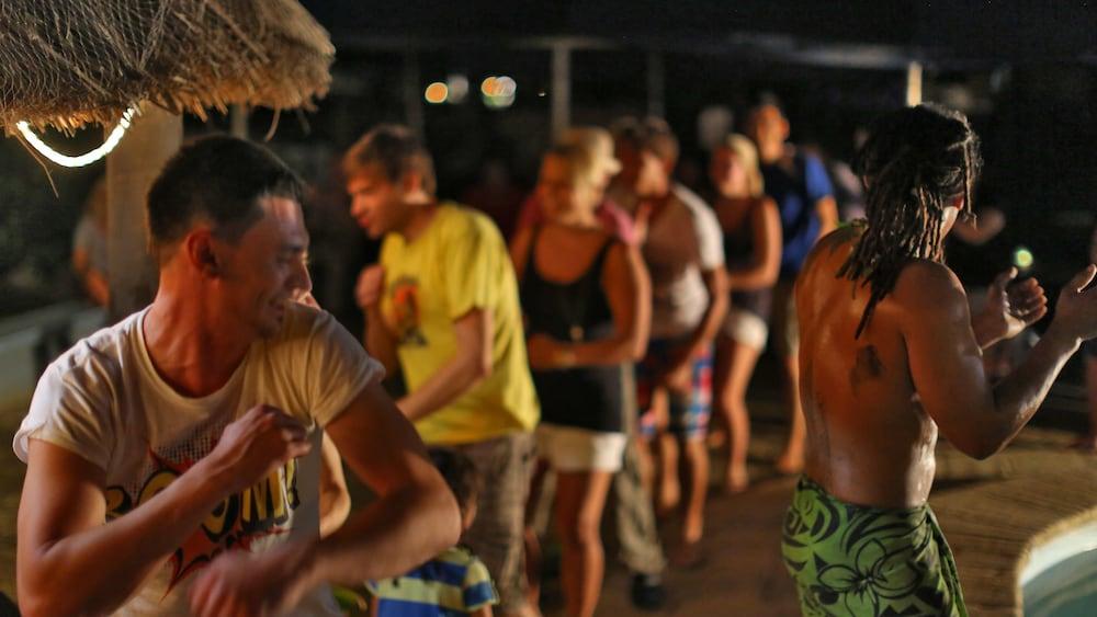 아쿠아리우스 온 더 비치(Aquarius on the Beach) Hotel Image 42 - Theater Show