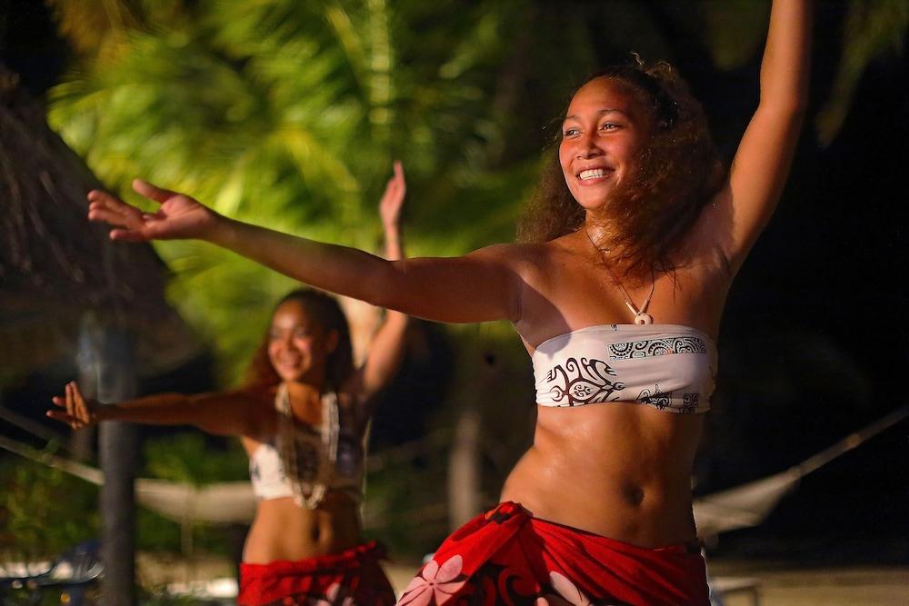 아쿠아리우스 온 더 비치(Aquarius on the Beach) Hotel Image 44 - Theater Show