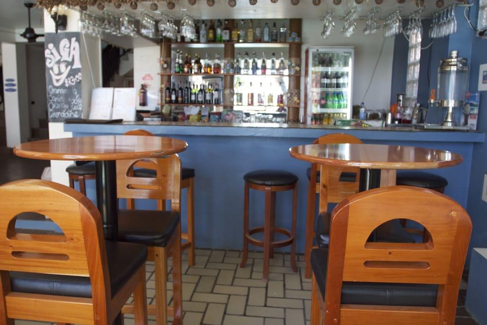 아쿠아리우스 온 더 비치(Aquarius on the Beach) Hotel Image 52 - Hotel Bar