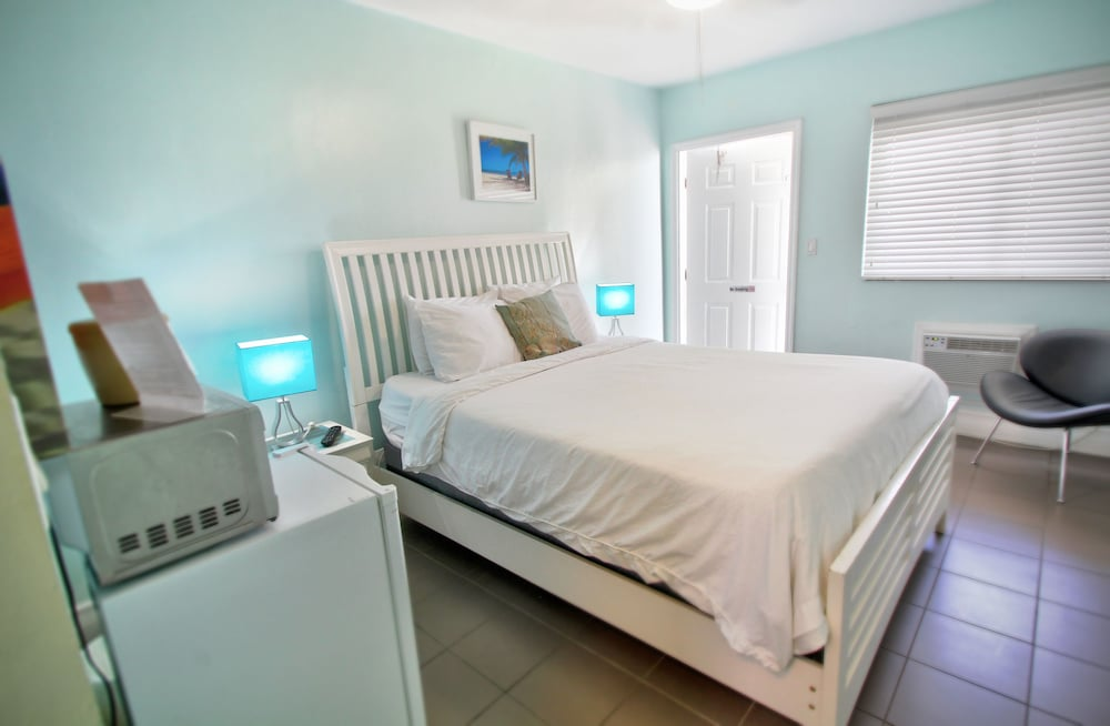 홀리데이 비치사이드 부티크 스위트(Hollywood Beachside Boutique Suites) Hotel Image 10 - Guestroom