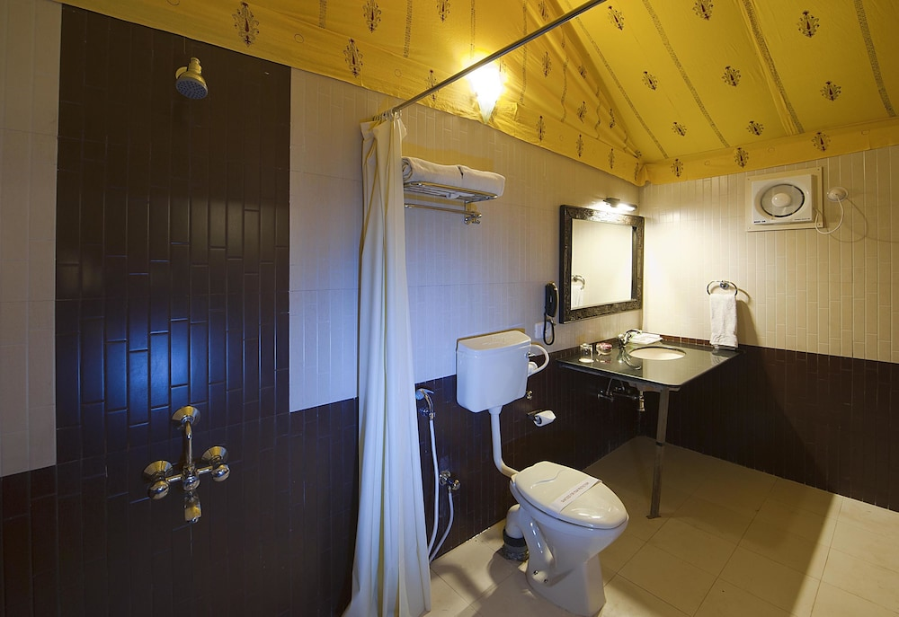 니랄리드하니 에스닉 리조트(Niralidhani Ethnic Resort) Hotel Image 10 - Bathroom