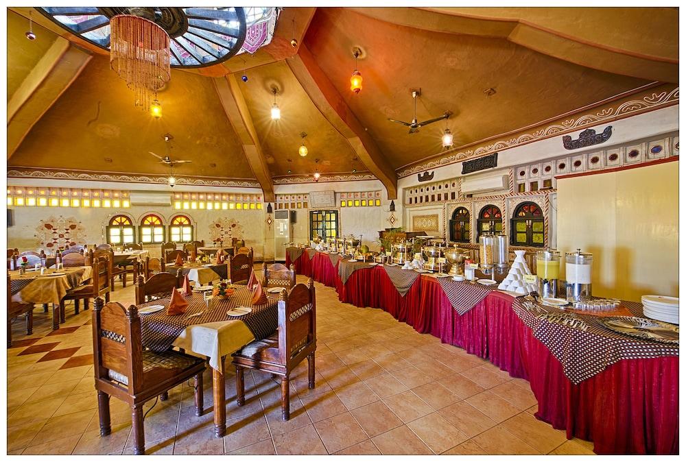 니랄리드하니 에스닉 리조트(Niralidhani Ethnic Resort) Hotel Image 18 - Buffet