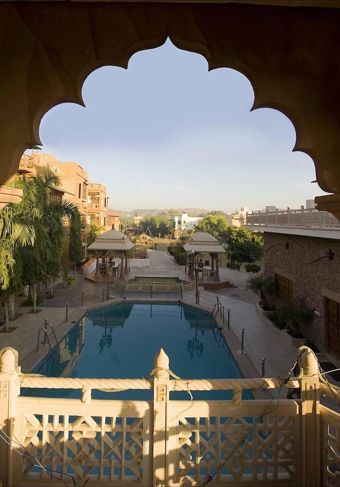 니랄리드하니 에스닉 리조트(Niralidhani Ethnic Resort) Hotel Image 12 - Outdoor Pool