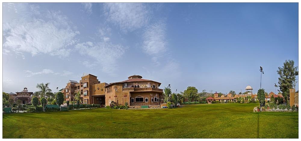 니랄리드하니 에스닉 리조트(Niralidhani Ethnic Resort) Hotel Image 1 -
