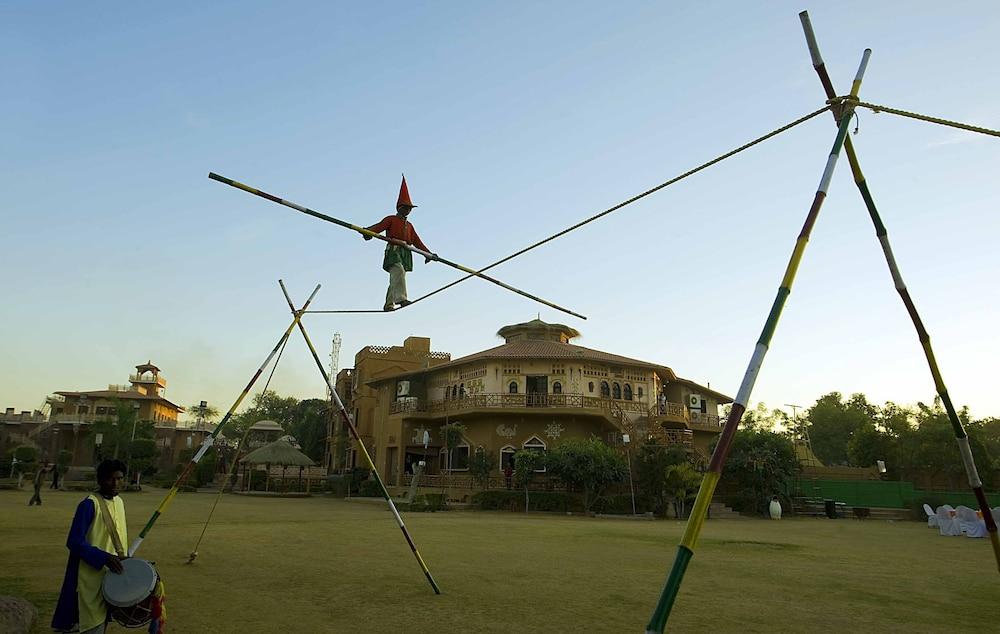 니랄리드하니 에스닉 리조트(Niralidhani Ethnic Resort) Hotel Image 16 - Theater Show