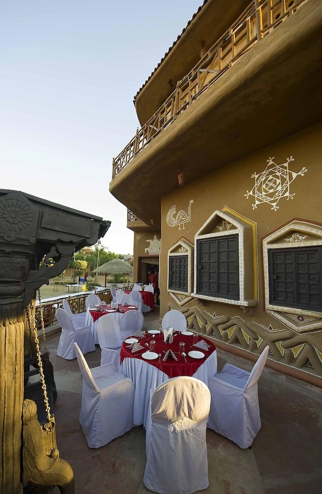 니랄리드하니 에스닉 리조트(Niralidhani Ethnic Resort) Hotel Image 24 - Outdoor Dining
