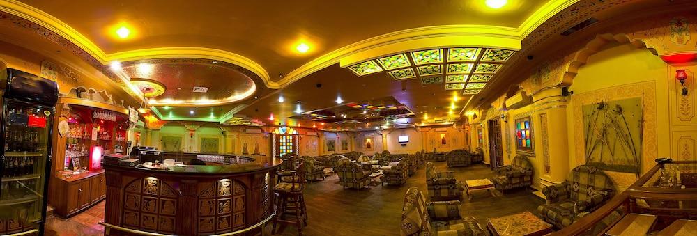니랄리드하니 에스닉 리조트(Niralidhani Ethnic Resort) Hotel Image 19 - Hotel Bar
