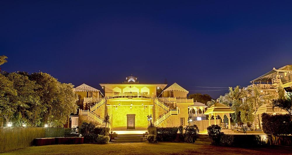 니랄리드하니 에스닉 리조트(Niralidhani Ethnic Resort) Hotel Image 23 - Hotel Front - Evening/Night