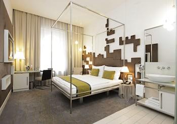 Hotel - Pure White