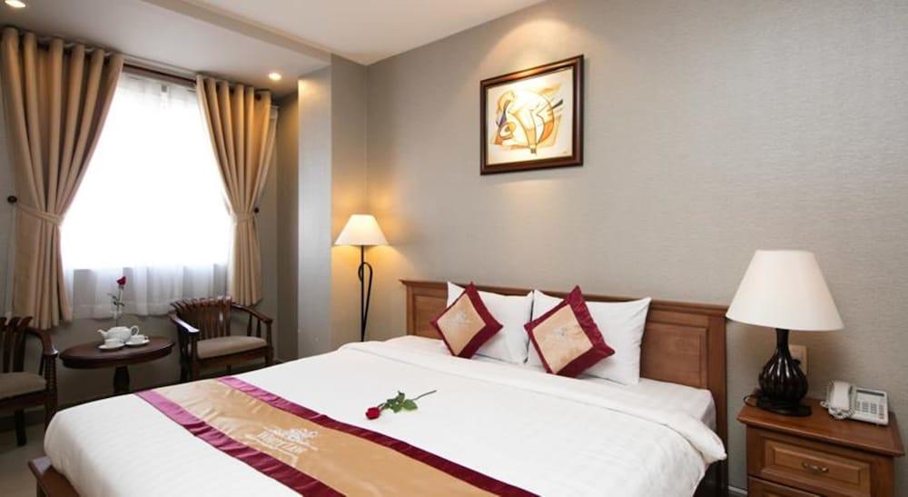 화이트 라이언 호텔(White Lion Hotel) Hotel Image 21 - Guestroom