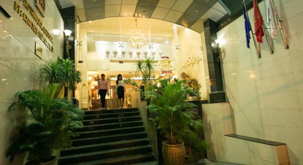 화이트 라이언 호텔(White Lion Hotel) Hotel Image 24 - Exterior