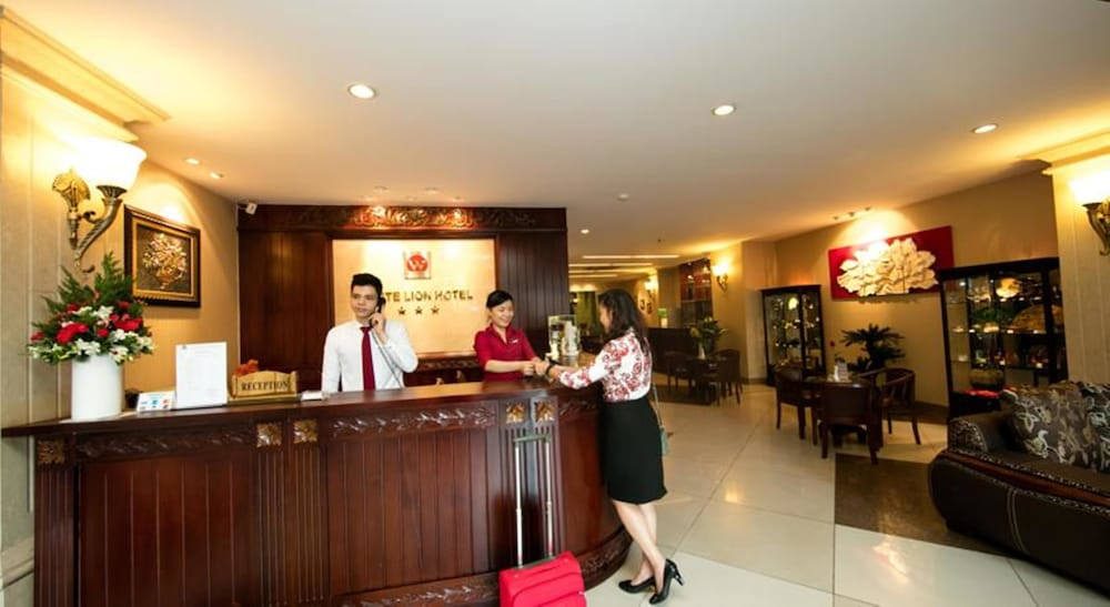 화이트 라이언 호텔(White Lion Hotel) Hotel Image 4 - Lobby