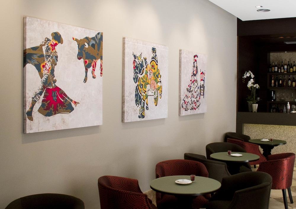 호텔 에우로스타스 파티오스 데 코르도바(Hotel Eurostars Patios de Córdoba) Hotel Image 18 - Hotel Bar
