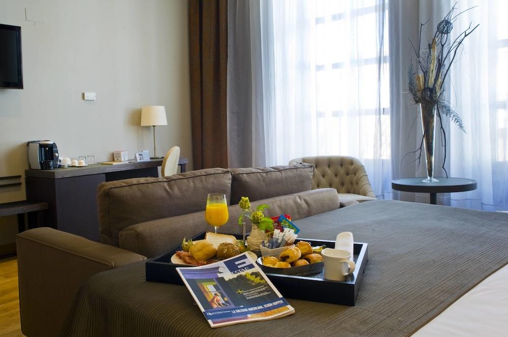 호텔 에우로스타스 파티오스 데 코르도바(Hotel Eurostars Patios de Córdoba) Hotel Image 10 - Guestroom