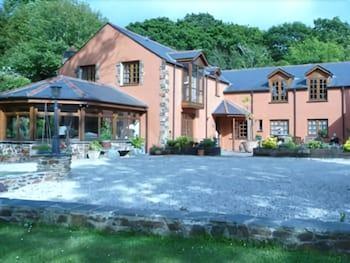 치카라 하우스(Chycara House) Hotel Image 0 - Featured Image