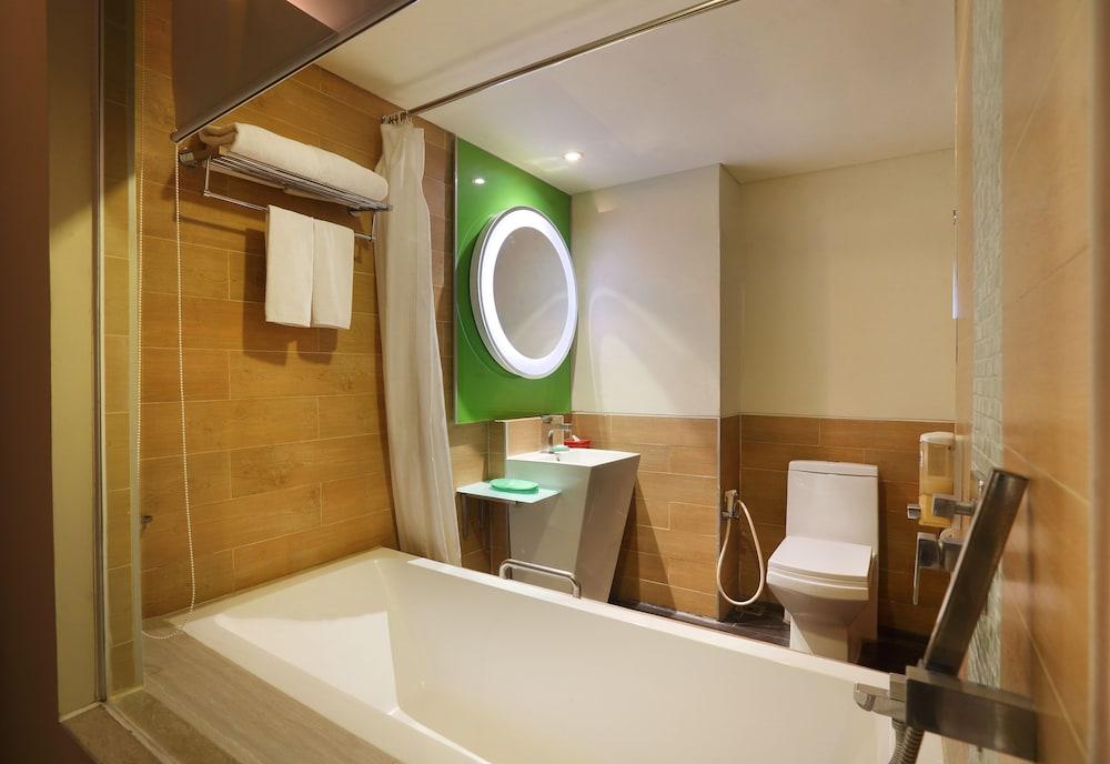 이비스 스타일스 요그야카르타(ibis Styles Yogyakarta) Hotel Image 12 - Bathroom