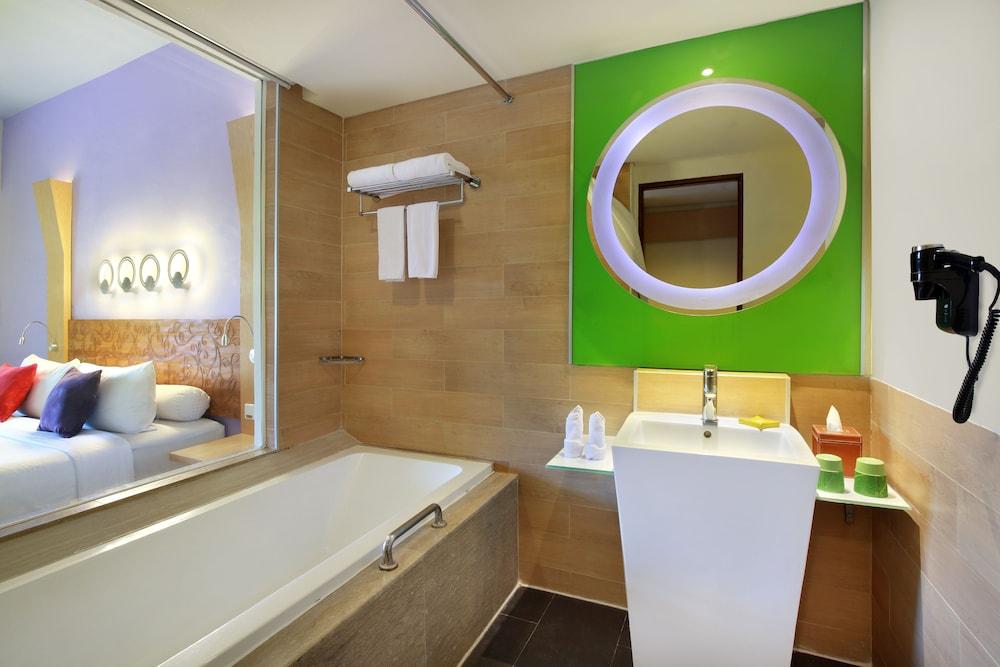 이비스 스타일스 요그야카르타(ibis Styles Yogyakarta) Hotel Image 13 - Bathroom