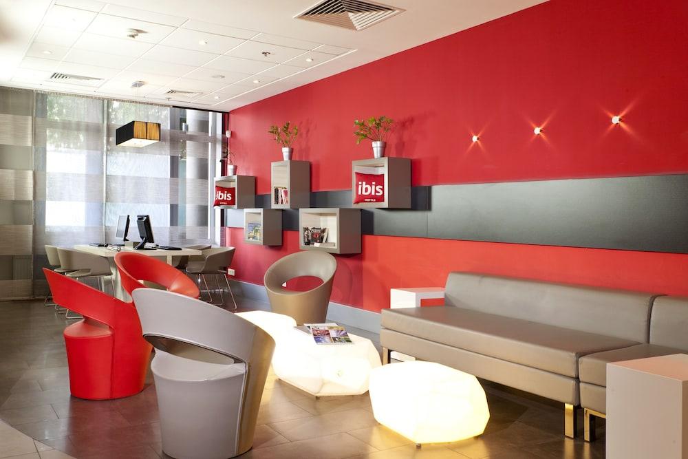 이비스 키에프 시티 센터(ibis Kiev City Center) Hotel Image 2 - Interior Entrance