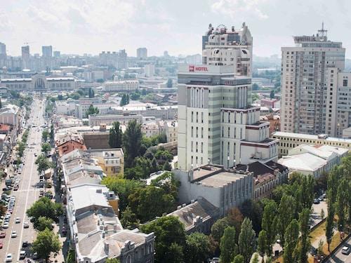 . ibis Kiev City Center