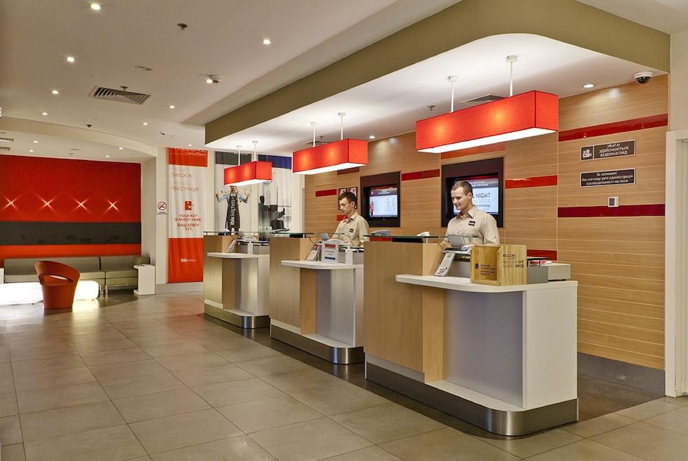 이비스 키에프 시티 센터(ibis Kiev City Center) Hotel Image 22 - Interior Entrance