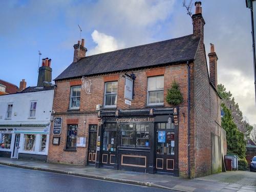 . OYO George & Dragon Inn