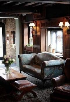 그래스하퍼 인(The Grasshopper Inn) Hotel Image 1 - Lobby Sitting Area