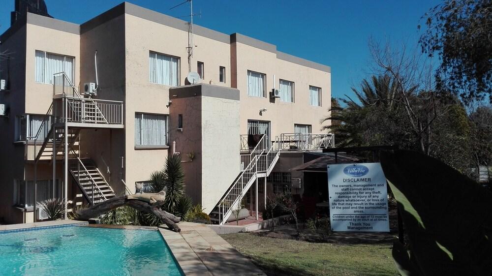 빌라 비아-미드랜드(Villa Via - Midrand) Hotel Image 35 - Outdoor Pool