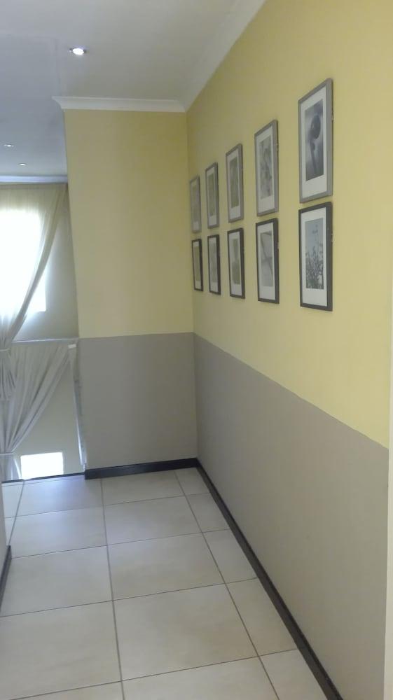 빌라 비아-미드랜드(Villa Via - Midrand) Hotel Image 53 - Hallway
