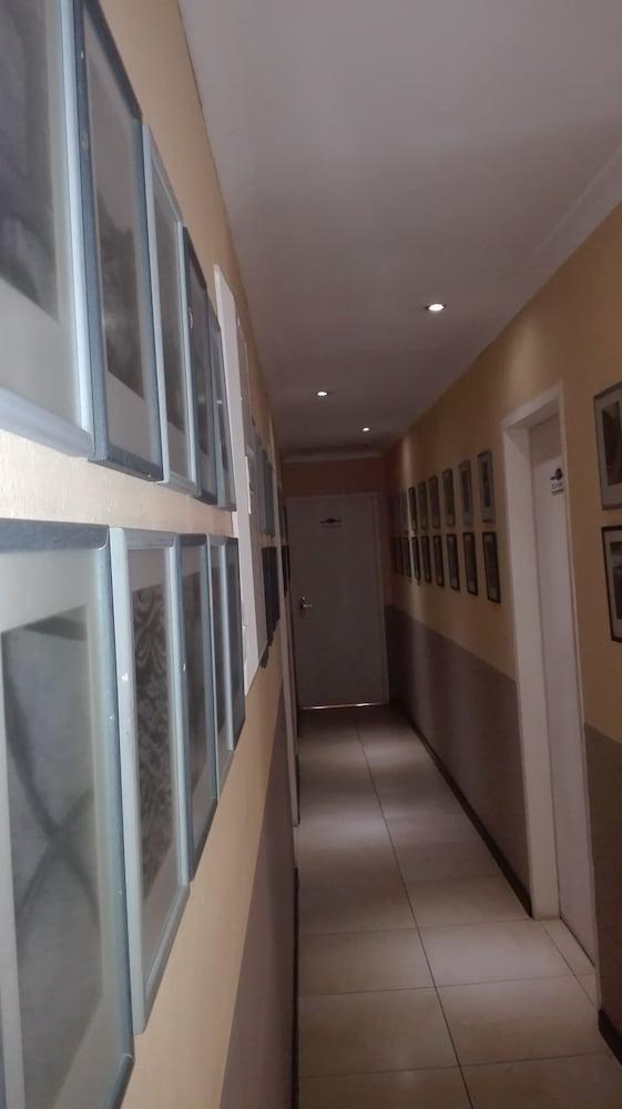 빌라 비아-미드랜드(Villa Via - Midrand) Hotel Image 52 - Hallway