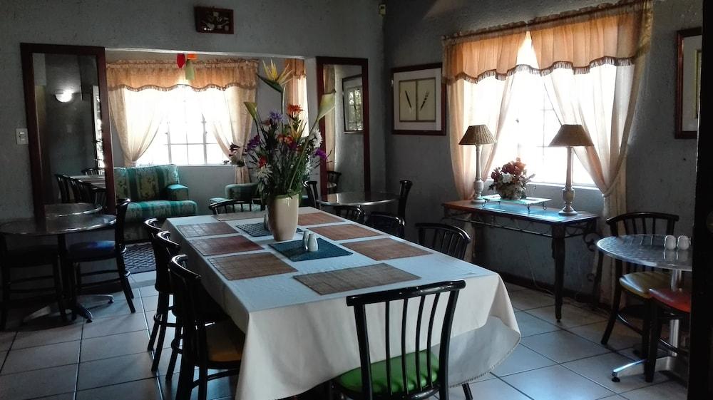 빌라 비아-미드랜드(Villa Via - Midrand) Hotel Image 44 - Breakfast Area