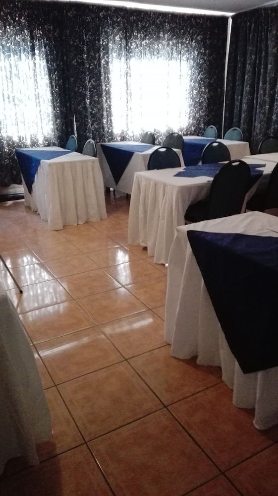 빌라 비아-미드랜드(Villa Via - Midrand) Hotel Image 59 - Meeting Facility
