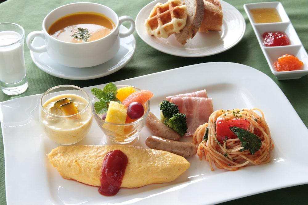 EM 웰니스 리조트 코스타비스타 오키나와 호텔 & 스파(EM Wellness Resort Costavista Okinawa Hotel & Spa) Hotel Image 53 - Food and Drink